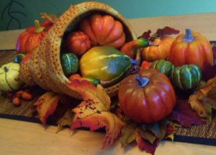 A November Themed centerpiece. Great craft idea for November.