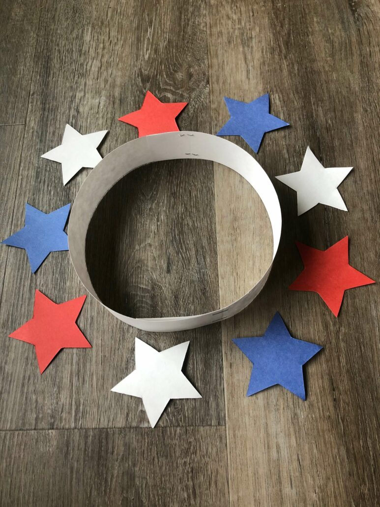 The cut out stars and the headband formed for the childs head.